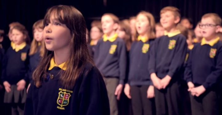 Kaylee Rogers, a 10-Year-Old Girl With Autism Sings 'Hallelujah' Perfectly.