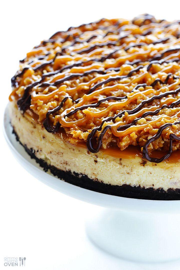 19 Delicious Cheesecake Recipes - Samoa Cheesecake.