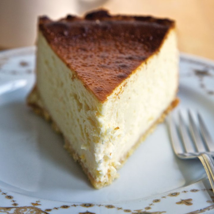 19 Delicious Cheesecake Recipes - Lindy's Cheesecake.