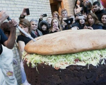World's Largest Burger Made in Denmark Is a Sight to Behold