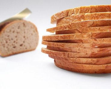 10 Ways to Give New Life to Stale Bread and Reduce Waste.