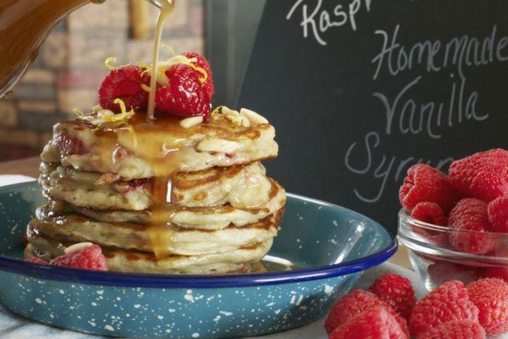 15 Luscious Pancake Recipes - Raspberry Greek Yogurt Pancakes with Homemade Vanilla Syrup.
