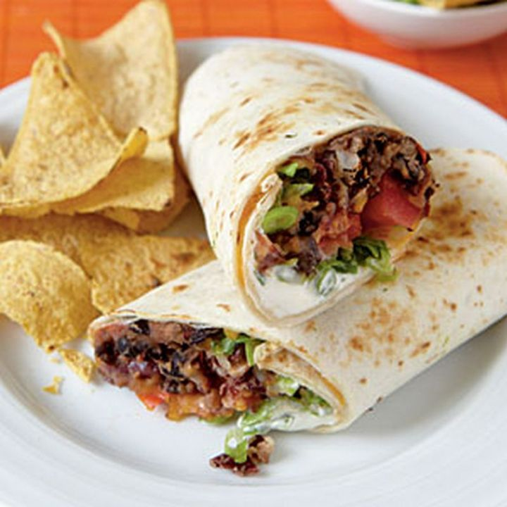 13 Delicious College Student Recipes - Bean Burritos.