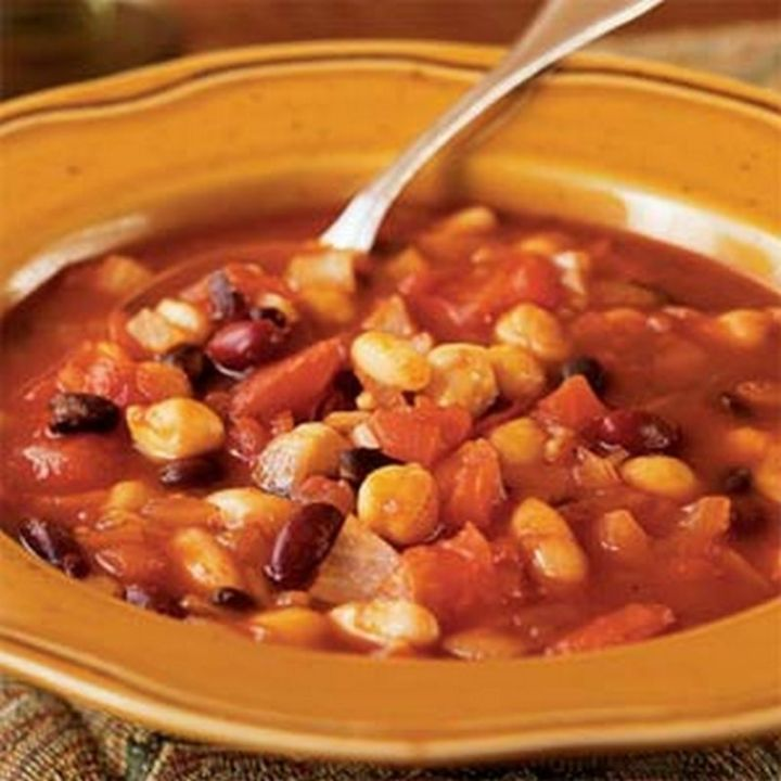 13 Delicious College Student Recipes - Vegetarian Chili.