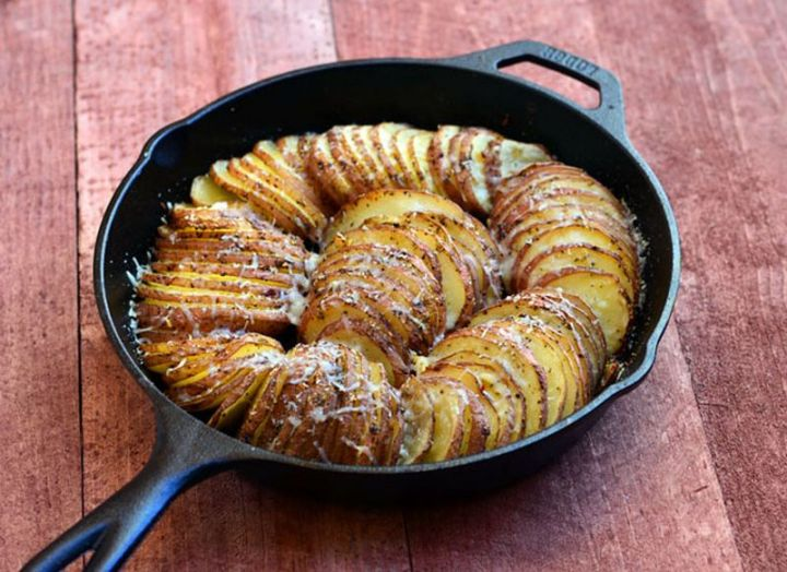 29 Best Potato Recipes - Hasselback Potatoes with Parmesan and Roasted Garlic.