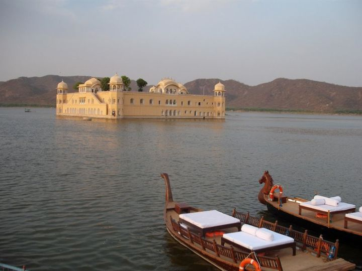 Best Holiday Destinations 2019: Jaipur, India 03.