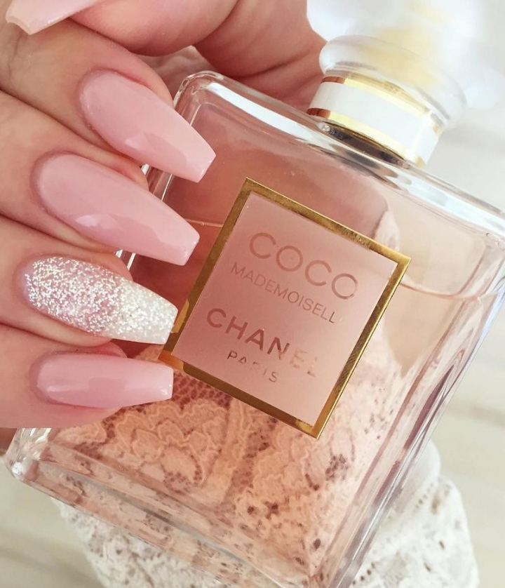 Three words: Chiq pink nails.