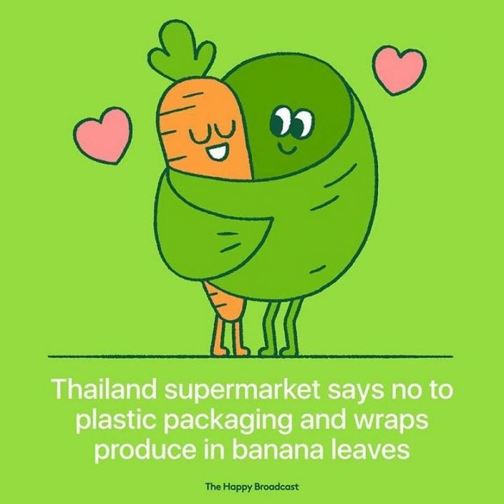 """Thailand supermarket says no to plastic packaging and wraps produce in banana leaves."""