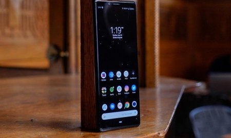 Android 11 comes to Sony's extra-tall Xperia 1 and Xperia 5 phones