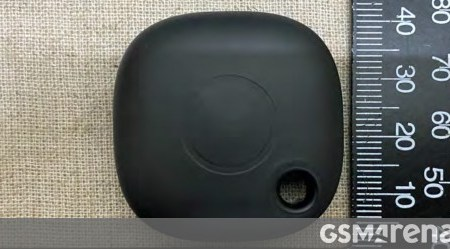 Samsung Galaxy SmartTag Bluetooth object tracker appears in live images