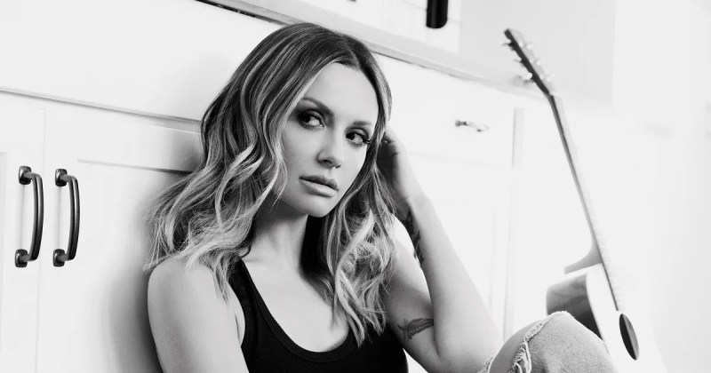 Carly Pearce, Ashley McBryde – Never Wanted To Be That Girl