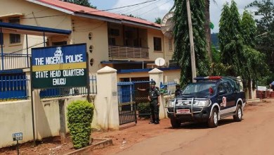 Photo of Man, his pregnant wife and their three daughters found dead inside their apartment in Enugu.