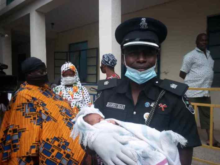 2 Nurses Caught Stealing A Newborn Baby Belonging To A Hausa Lady.    There is jubilation in the land as two young nurses get caught for stealing newborn baby in Katsina state