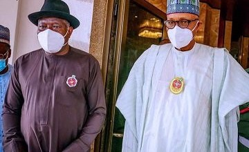 President Buhari holds closed door meeting with ex-president Goodluck Jonathan in the State House (photos)