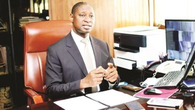 'Govt should allow forex to float to solve scarcity'