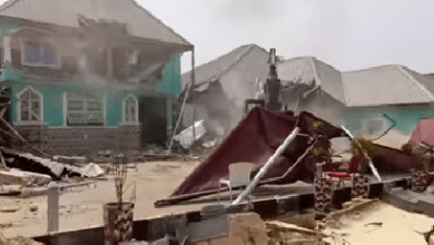 Cross River State government demolishes hotel harbouring kidnappers in Calabar (video)