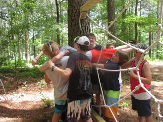 Ropes-Working_together_to_get_through