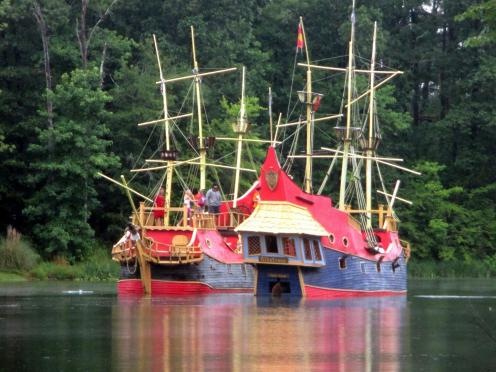 Ship~065-Virginia_and_New_Hampshire_have_a_pirate_battle