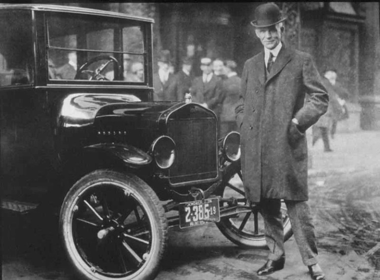 Henry_Ford_With_Model_T