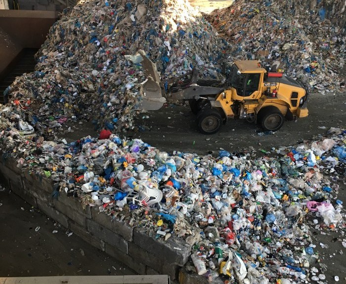 trash-mountain