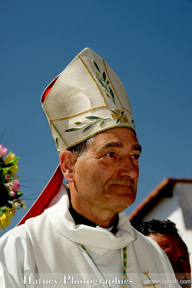 Monseigneur Christophe DUFOUR, Archevêque d'Aix et Arles Photographies du Pelerinage des Gitans aux Saintes Maries de la Mer, © Hatuey Photographies