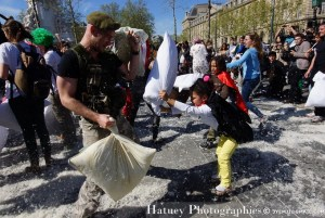 Pillow Fight Day 2014, Place de la République à Paris. Photographies de Paris par © Hatuey Photographies