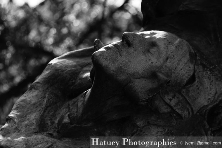 "Paris, Cimetiere du Pere Lachaise, Jean CARRIES ""©Hatuey Photographies"""