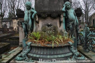 """Cimetiere du Pere Lachaise , Photographies, Tombe de la Famille Blondeau""""©Hatuey Photographies"""""""