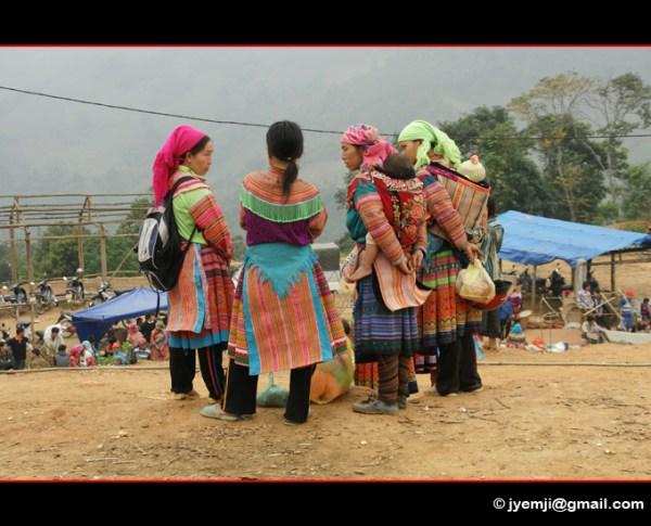 © Hatuey Photographies) Photographies du Marché de Coc Ly parmi les minorités Hmongsfleuris