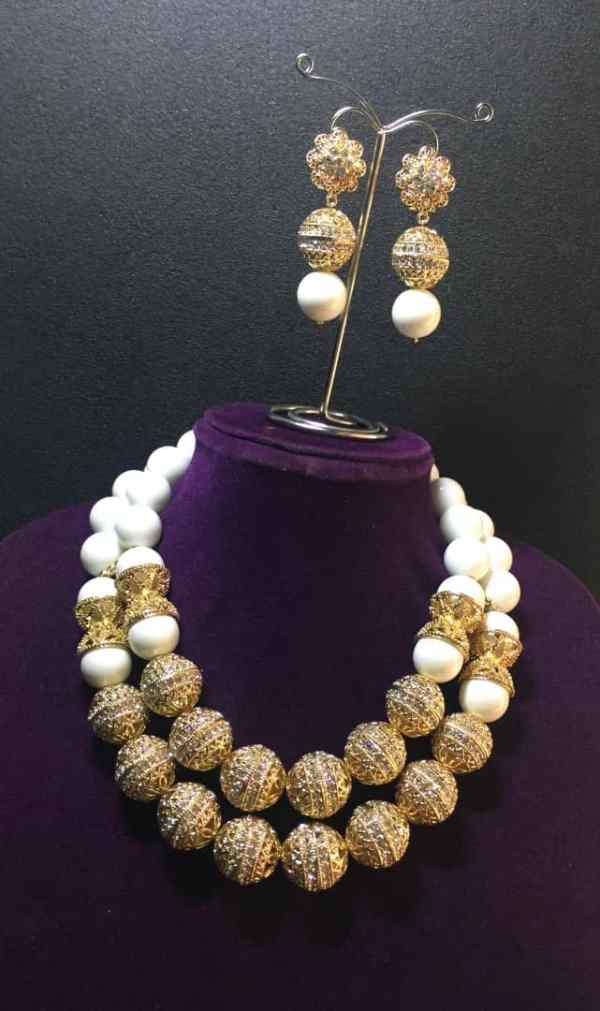 2 Layers Beaded Necklace With Earrings - White and Gold