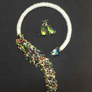 Exquisite Beaded Necklace – White