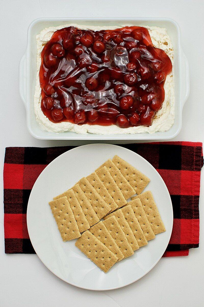 Seriously Easy No Bake Cherry Cheesecake Dip winterandsparrow.com #easyrecipes #cherryrecipes #diprecipes
