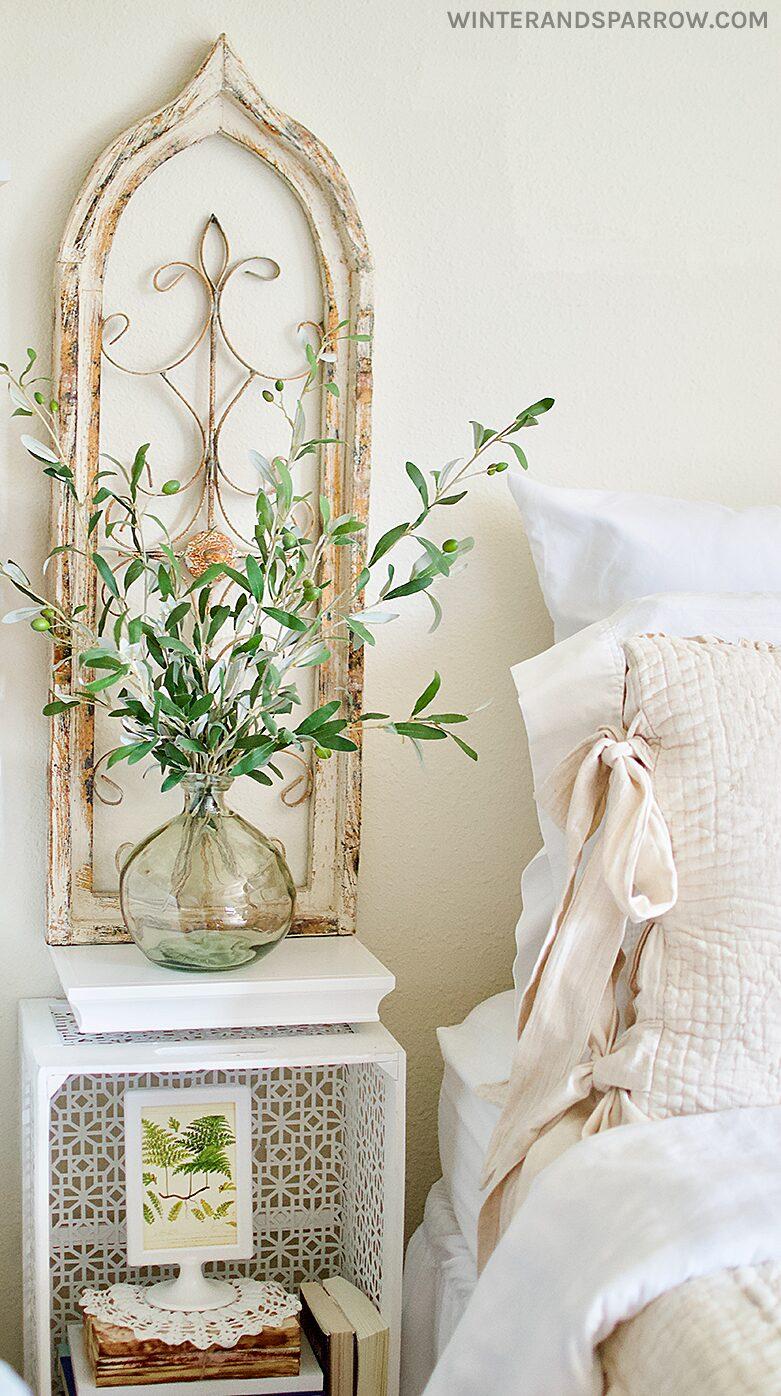 Small Space Transformation: A Cozy French Farmhouse Inspired Bedroom   winterandsparrow.com #frenchfarmhouse #farmhousedecor #decoratingideas