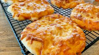 Homemade Snack Pizzas - Be a Lunch Box Hero!