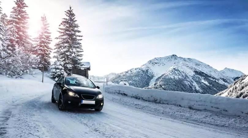 De auto is een ideaal vervoermiddel op weg naar de wintersport