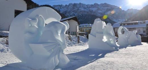 Sneeuwsculpturen in Val Gardena