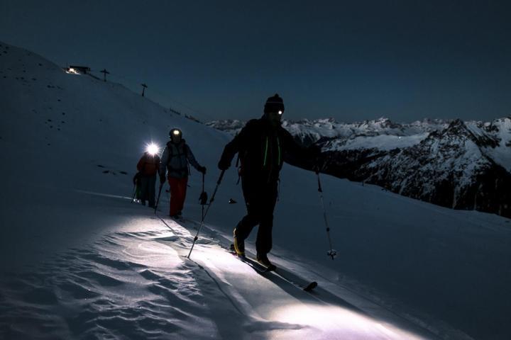 de ondergaande zon en dan skitouren!