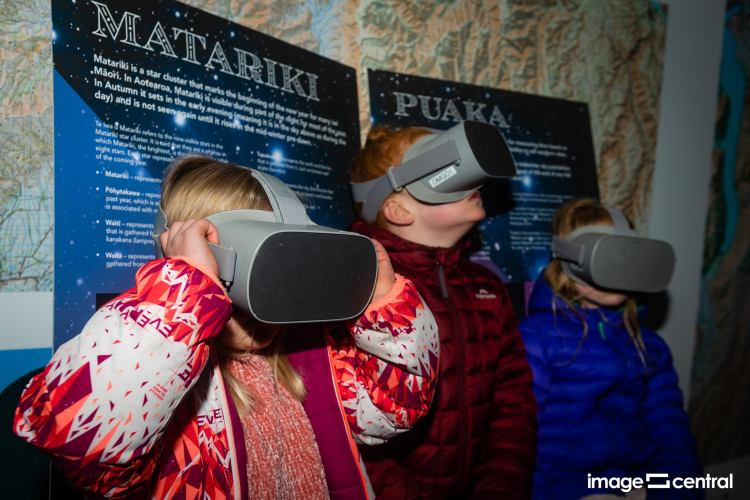 Checking out the VR headsets - Matariki Celebration in Alexandra 2021 - Photo by Clare Toia-Bailey