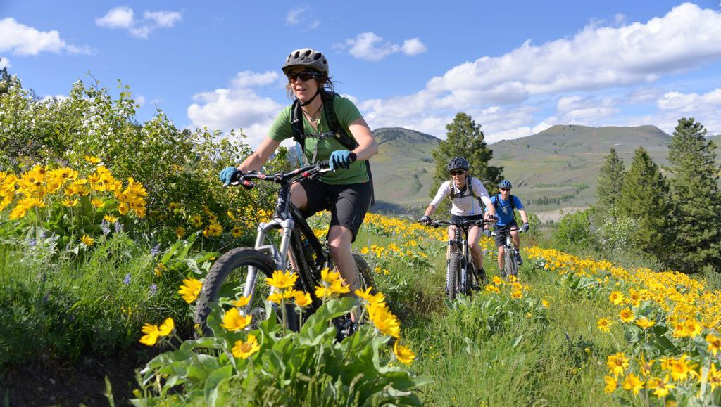 go biking in mazama washington cycling