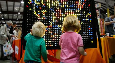 maker-faire-kids-led.jpg-w=600&h=400