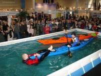 Pokazy z ratownictwa na basenie targowym (fot. A. Grzegorzewski)