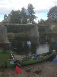Gulbin. Krótka przerwa pod starym mostem wąskotorówki