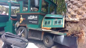 Deja lesionados choque de trenecito en Chapultepec Captura-de-pantalla-2016-08-04-a-las-4.58.04-p.m.-e1470348257693