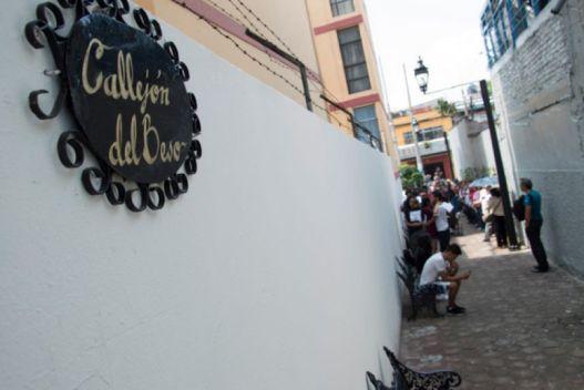 Inauguran Callejón del Beso <em>Chilango</em> Cuarto-Oscuro