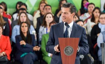 El presidente Enrique Peña Nieto dando un discurso