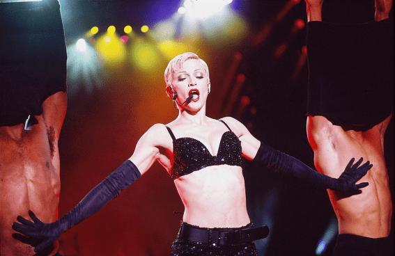 ¡Feliz cumpleaños a la Reina del Pop, Madonna! Gran-Bretan%CC%83a-1993