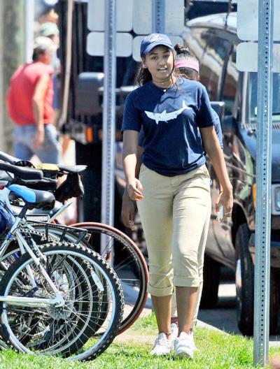 Sasha Obama trabaja como mesera en el verano sasha-2