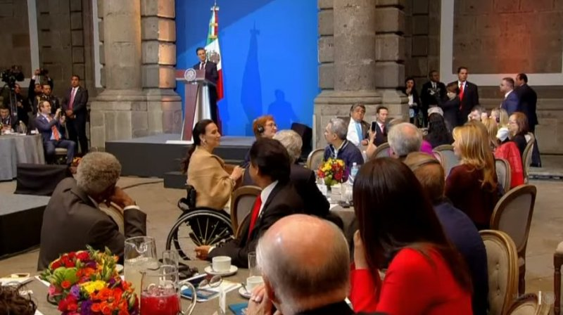 Peña Nieto afirma que México trabaja para disminuir mortalidad por cáncer DOm4aqpXcAEpizk