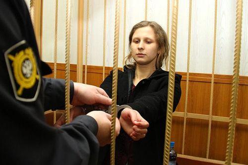 Detuvieron a una Pussy Riot por protestar en Rusia (otra vez) pussy-riot-maria-alekhina