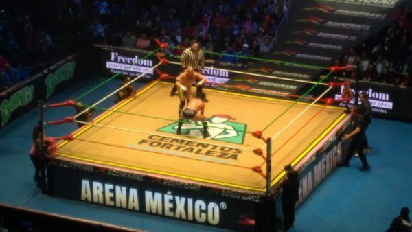En la Arena México se llevo la primera lucha